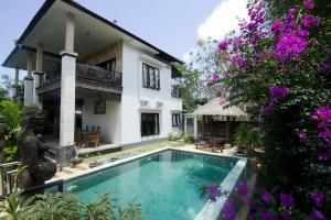 Photo of Padang Padang Surf Villa