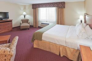 Deluxe Double or King Room