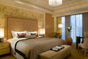 Luxury King Room Club Sofitel with Executive Lounge access