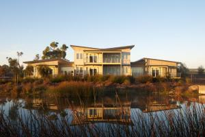 Photo of Broadbeach Inverloch Resort