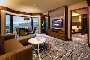 Harbour View King or Twin Suite