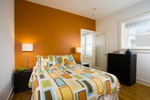 One-Bedroom Suite with Beachfront Ocean View - 1 Queen Bed and 1 Sofa Bed
