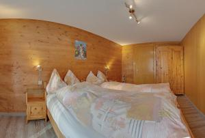 Anemone, Apartments  Saas-Fee - big - 12