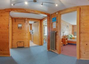 Anemone, Apartments  Saas-Fee - big - 10