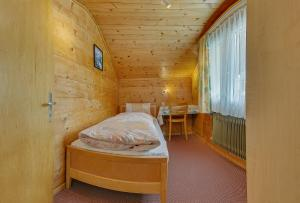 Anemone, Apartments  Saas-Fee - big - 31