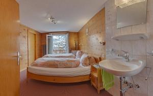 Anemone, Apartments  Saas-Fee - big - 5