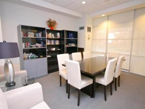 Canada Suites on Bay, Apartmanok  Toronto - big - 97