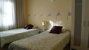Three-Bedroom Apartment (2-9 Adults)- Gran Via nº 857