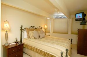 Deluxe Two-Bedroom Apartment - Le Clairvaux