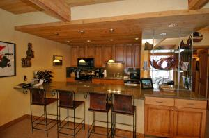 Deluxe Three-Bedroom Apartment - Chateau Roaring Fork