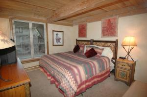 Standard Four-Bedroom Apartment - Chateau Roaring Fork