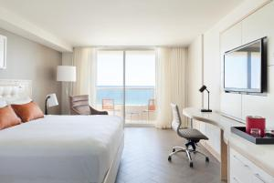 King Room Ocean Front with Balcony