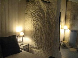 Les Troglos de Beaulieu, Bed and Breakfasts  Loches - big - 2