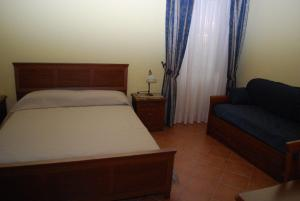 Conte Spencer, Bed and Breakfasts  Casertavecchia - big - 2