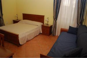 Conte Spencer, Bed and Breakfasts  Casertavecchia - big - 11