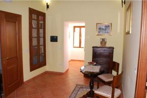 Conte Spencer, Bed and Breakfasts  Casertavecchia - big - 17