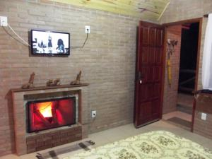Chalet with Fireplace (2 Adults)