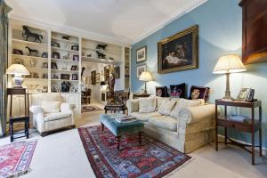 Апартамент onefinestay - Knightsbridge Apartments, Лондон