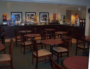 Hampton Inn Gainesville - Gainesville, GA 30501 - Photo Album