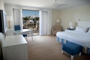 King or Queen Room with Marina View