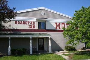 Road Star Inn Green Bay