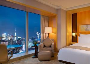 Grand Deluxe Bund View Room