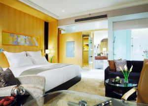 Grand Deluxe King or Twin Room 2