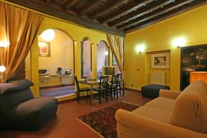 Travel & Stay Colosseum Apartments