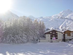 Haus Alpenglück, Apartments  Saas-Fee - big - 10