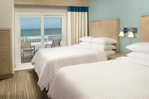 One-Bedroom Suite with Two Queen Beds - Ocean Front
