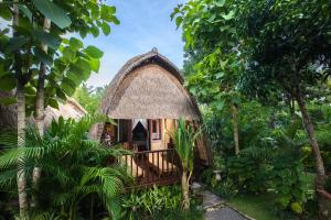 Photo of Alam Nusa Bungalow Huts & Spa
