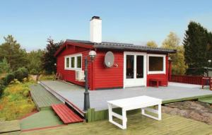 Holiday home Hosteland Sleiresvingen