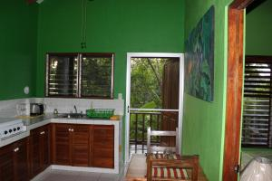 Ranas One-Bedroom Cottage (4 Adults) - Optional A/C
