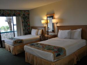 Deluxe Queen Room with Two Queen Beds - Pool View