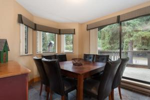 Four-Bedroom Apartment - Gables - 4510 Blackcomb Way - Unit 17
