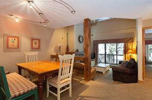 Three-Bedroom Apartment - Gables - 4510 Blackcomb Way - Unit 11