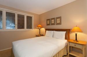 Two-Bedroom Apartment - Gables - 4510 Blackcomb Way - Unit 9