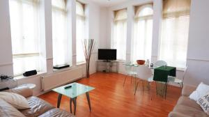 Appartamento 2-Bedroom West End Apartment, Londra