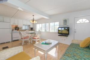 Two-Bedroom Cottage with Gulf Front