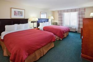 Queen Room with Two Queen Beds - Disability and Hearing Access/Non-Smoking