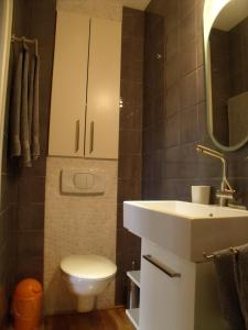 Garden in the city, Apartmány  Gent - big - 15