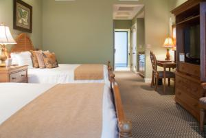 Queen Room with Golf Course View