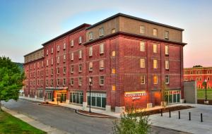 Photo of Courtyard Keene Downtown