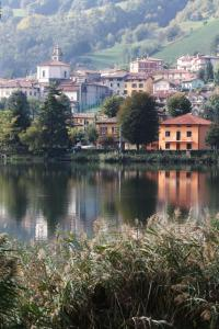 B&B Notte E Dì, Bed and Breakfasts  Spinone Al Lago - big - 10