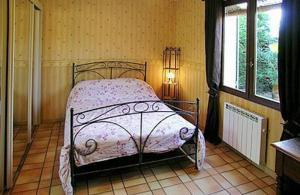 Holiday Home Courthezon Chemin Louise Michel