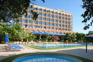 Photo of Navarria Hotel
