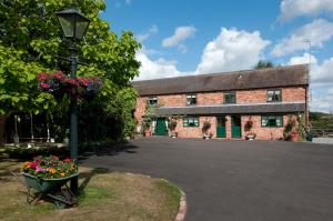 Oak Tree Farm ( Adults Only) in Tamworth, Staffordshire, England
