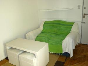 One-Bedroom Apartment (Corrientes Ave. and Maipú St.)