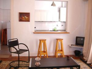 One-Bedroom Apartment ( Parana St. and Corrientes Ave.)