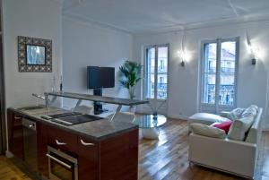 Photo of Les Appartements Du Vieux Port: Appartement Haussmannien